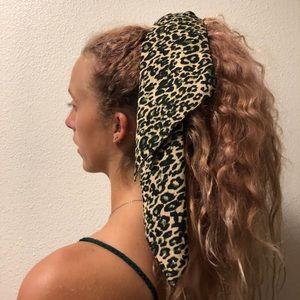 cheers print hair scrunchie